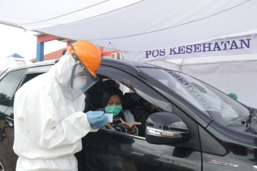 RS. BHAYANGKARA BUKA PELAYANAN DRIVE THRU SCREENING RAPID TEST